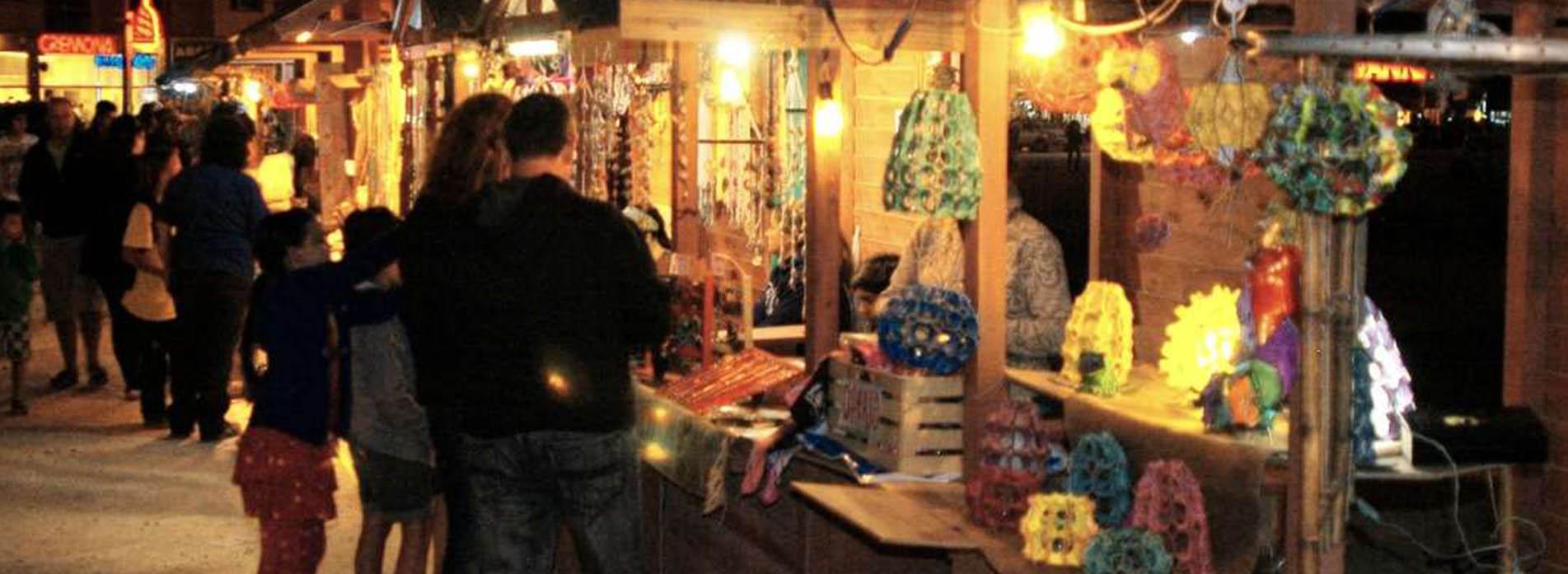 http://santaclaradelmar.com/slider/noche.jpg