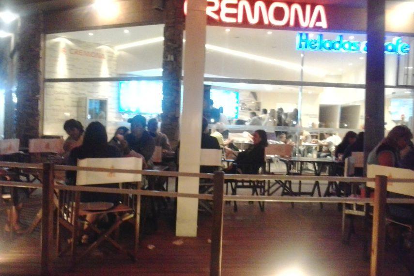 """"""" CREMONA """"  Helados y café"""