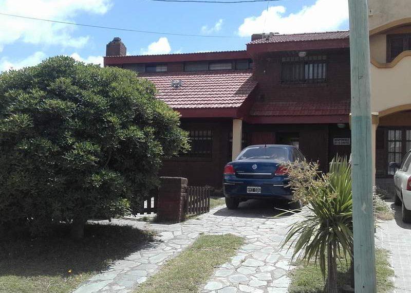 Av Rio de Janeiro 57 (planta baja)