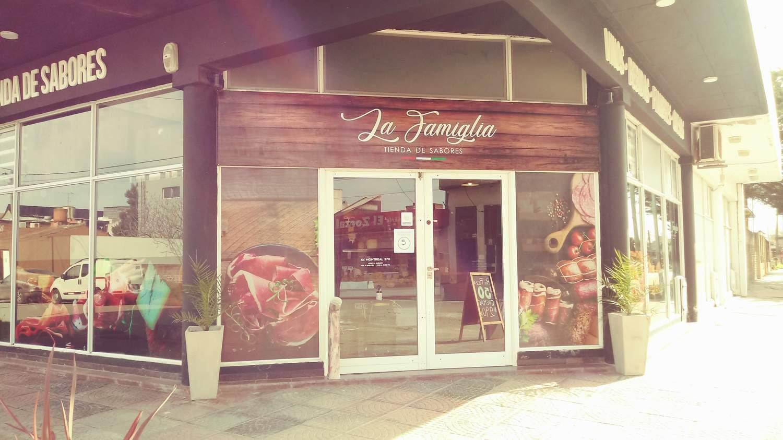 """""""La Famiglia""""  Tienda de sabores"""