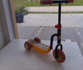 Monopatín -Scooters -Cars-Original Usado
